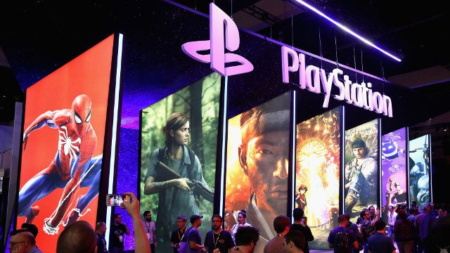 Sony Interactive Entertainment's Shawn Layden Comments on Crossplay